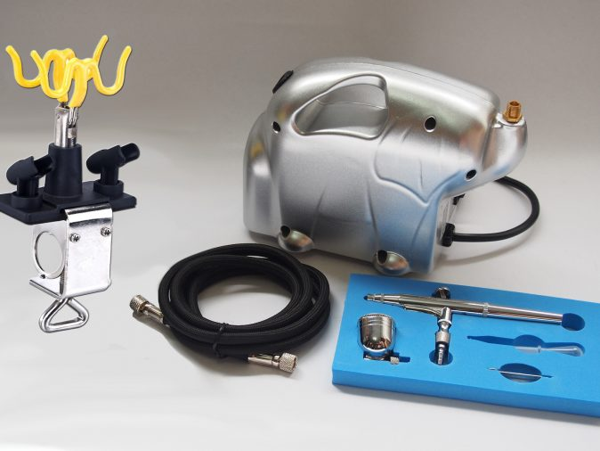 Baby Panda Compressor & AB-132A Gravity Side Feed Airbrush Kit-0